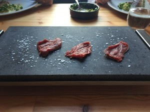 Hot stone steak - Steak on Stones