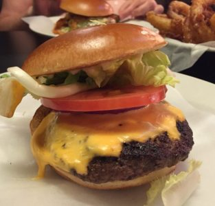 Cheeseburger - Byron