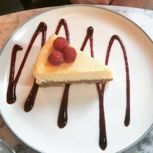 White Chocolate Cheesecake - Cadiz