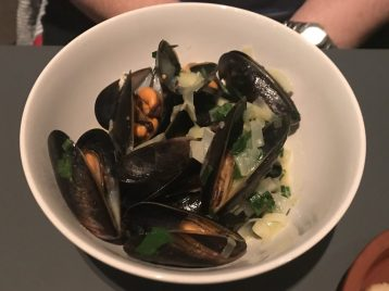Mussels (starter size) - Quay Commons