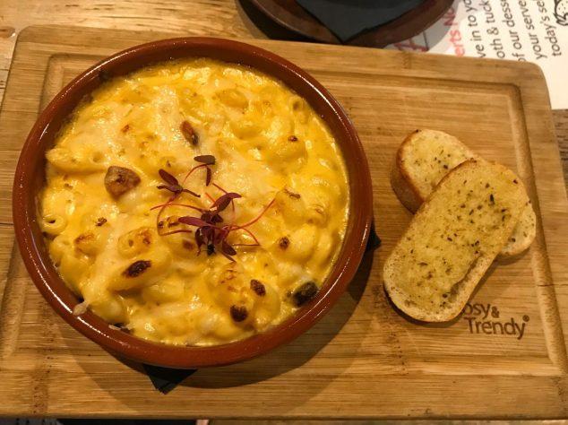 Smoked Chorizo Mac and Cheese - Harry's Bar