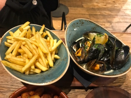 Moules Frites - Harry's Bar