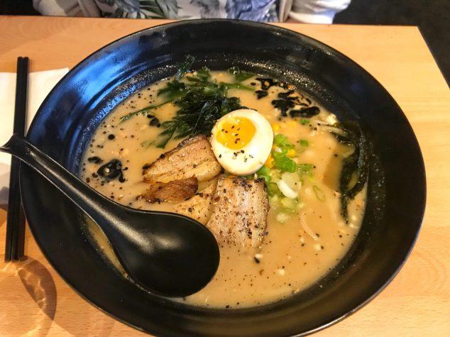 Tonkotsu Ramen - Maki and Ramen