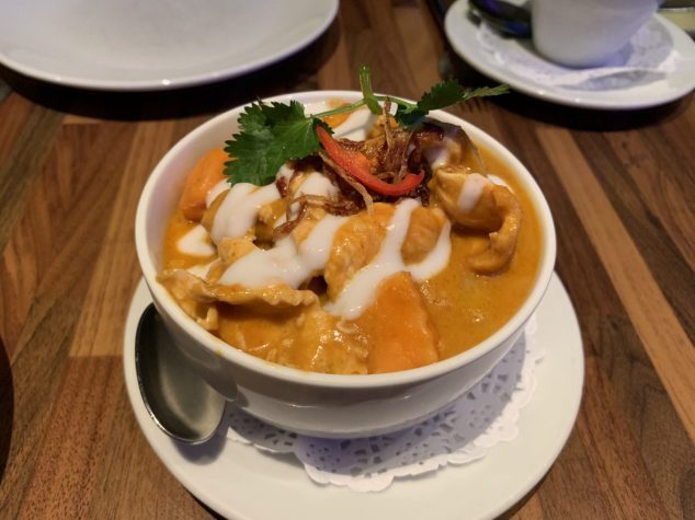 Chicken massaman curry - Dusit